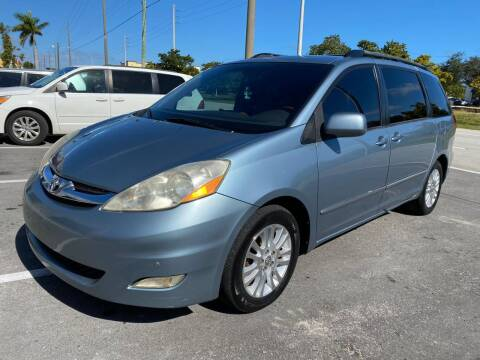 2007 Toyota Sienna for sale at UNITED AUTO BROKERS in Hollywood FL