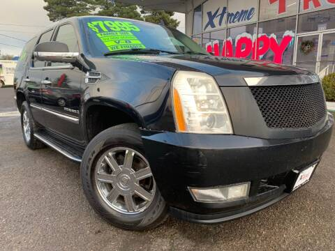 2007 Cadillac Escalade for sale at Xtreme Truck Sales in Woodburn OR
