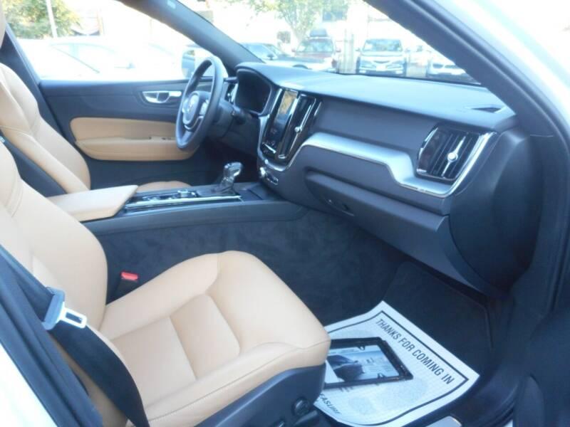 2020 Volvo XC60 T5 Momentum 4dr SUV - Roseville CA