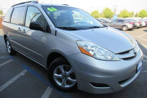 2006 Toyota Sienna for sale at Choice Auto & Truck in Sacramento CA