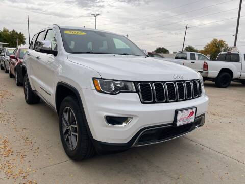 2017 Jeep Grand Cherokee for sale at AP Auto Brokers in Longmont CO