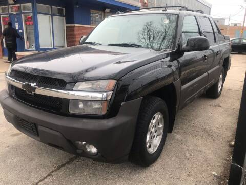 2005 Chevrolet Avalanche for sale at Square Business Automotive in Milwaukee WI