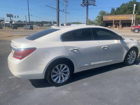 2014 Buick LaCrosse for sale at Auto Credit Xpress in Jonesboro AR