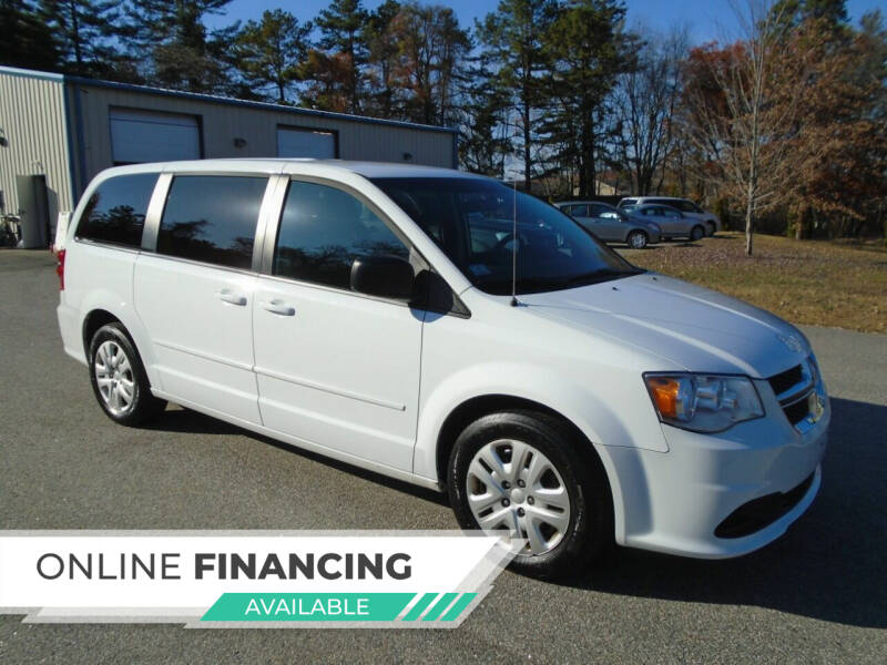2017 Dodge Grand Caravan for sale at Leavitt Brothers Auto in Hooksett NH