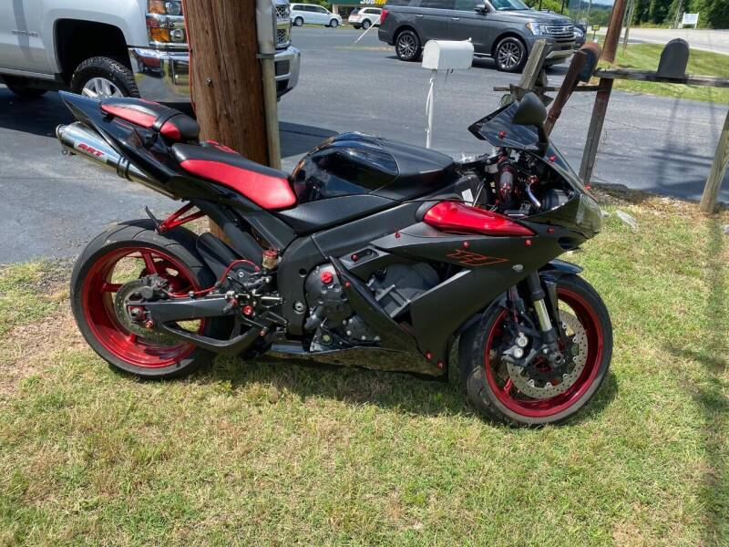 2005 Yamaha YZF-R1 for sale at Elite Auto Brokers in Lenoir NC