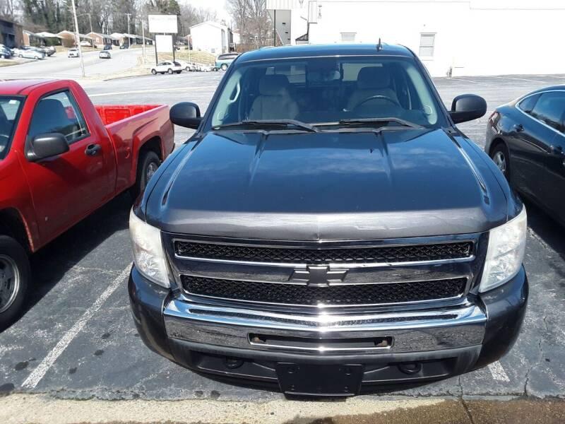 2010 Chevrolet Silverado 1500 for sale at Auto Villa in Danville VA