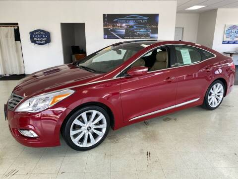 2014 Hyundai Azera for sale at Used Car Outlet in Bloomington IL
