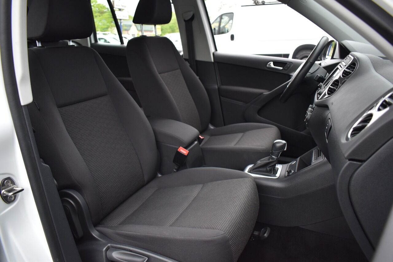2017 Volkswagen Tiguan 2.0T Limited S 4Motion AWD 4dr SUV full