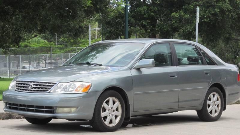 2004 Toyota Avalon for sale at MaxxCar in Sarasota FL