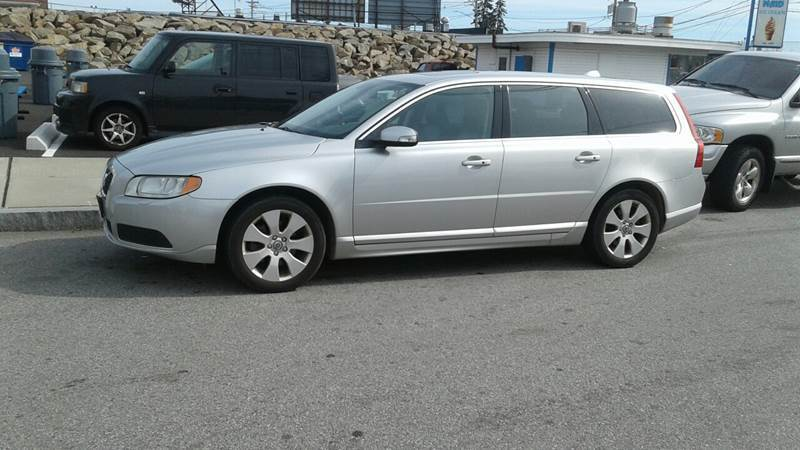 2008 Volvo V70 for sale at Nelsons Auto Specialists in New Bedford MA