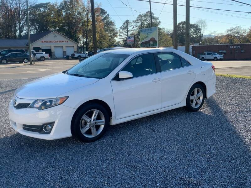 2014 Toyota Camry for sale at MOUNTAIN CITY MOTORS INC in Dalton GA