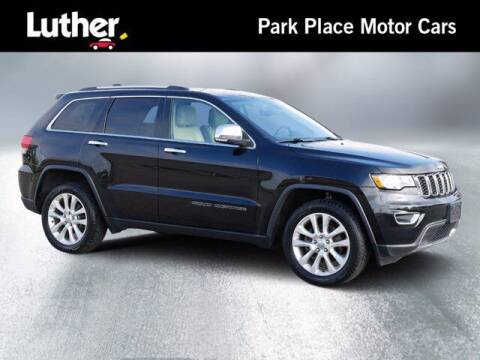 2017 Jeep Grand Cherokee for sale at Park Place Motor Cars in Rochester MN