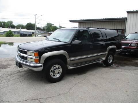 1999 Chevrolet Suburban for sale at RJ Motors in Plano IL