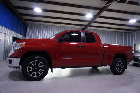 2017 Toyota Tundra for sale at SOUTHWEST AUTO CENTER INC in Houston TX