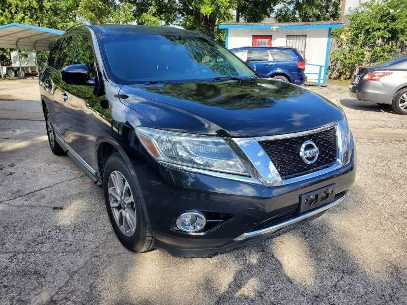 2015 Nissan Pathfinder for sale at Tony's Auto Plex in San Antonio TX