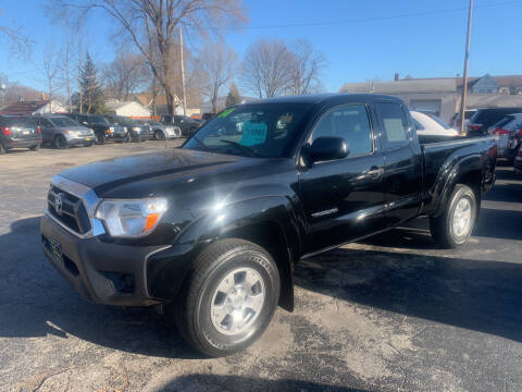 2014 Toyota Tacoma for sale at PAPERLAND MOTORS in Green Bay WI