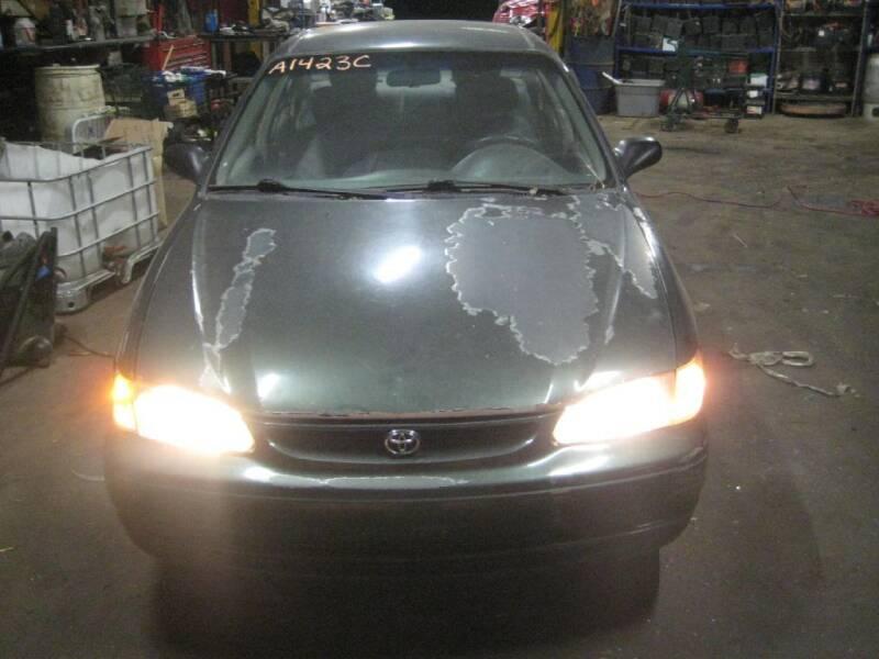 2000 Toyota Corolla for sale at CARZ R US 1 in Armington IL