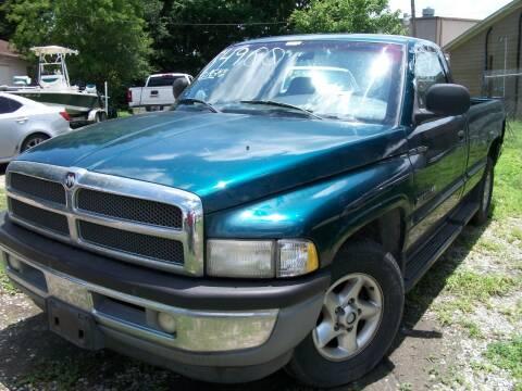 1999 Dodge Ram Pickup 1500 for sale at THOM'S MOTORS in Houston TX