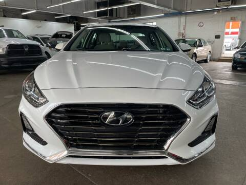2018 Hyundai Sonata for sale at John Warne Motors in Canonsburg PA