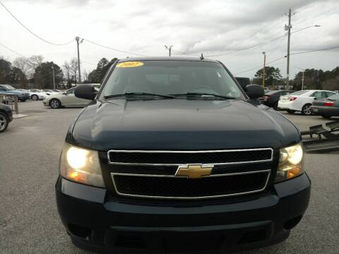 2007 Chevrolet Suburban for sale at Kelly & Kelly Supermarket of Cars in Fayetteville NC