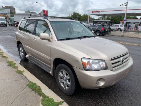 2005 Toyota Highlander for sale at Dennis Public Garage in Newark NJ