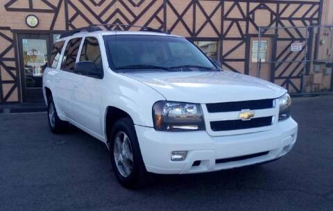 2006 Chevrolet TrailBlazer EXT for sale at Used Car Showcase in Phoenix AZ