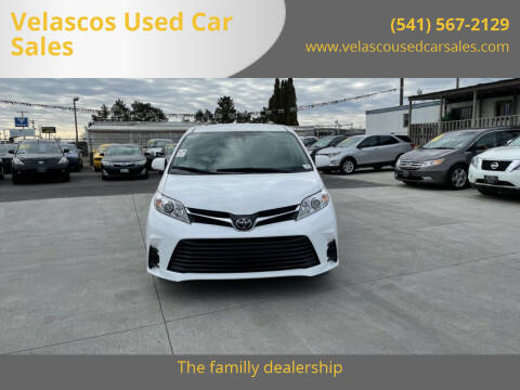 2019 Toyota Sienna for sale at Velascos Used Car Sales in Hermiston OR