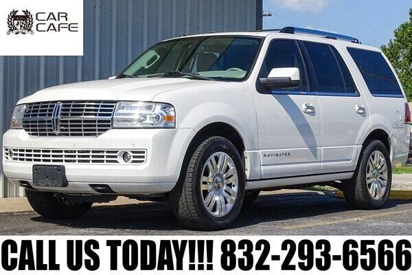 2013 Lincoln Navigator for sale at CAR CAFE LLC in Houston TX