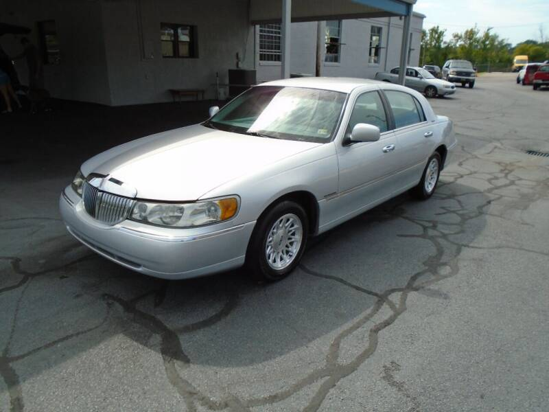 1998 Lincoln Town Car for sale at PIEDMONT CUSTOM CONVERSIONS USED CARS in Danville VA