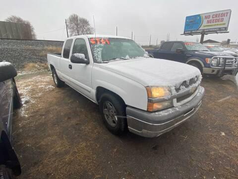 2004 Chevrolet Silverado 1500 for sale at BELOW BOOK AUTO SALES in Idaho Falls ID