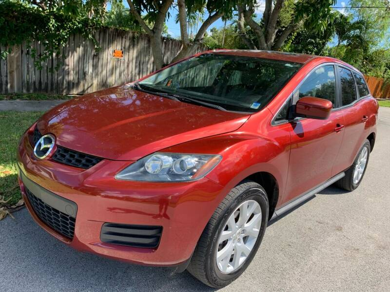2007 Mazda CX-7 for sale at FINANCIAL CLAIMS & SERVICING INC in Hollywood FL