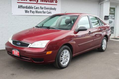 2007 Ford Focus for sale at Oak City Motors in Garner NC