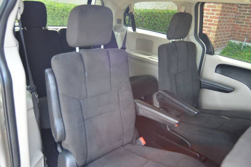 2013 Dodge Grand Caravan SXT 4dr Mini-Van - Dallas TX