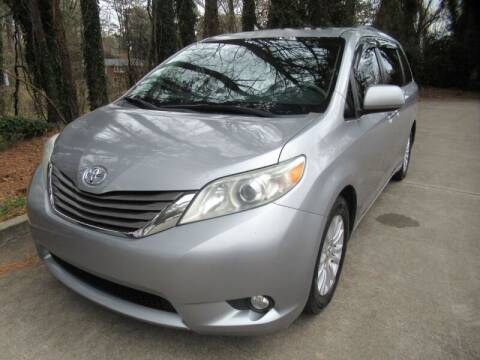 2011 Toyota Sienna for sale at 1st Choice Autos in Smyrna GA