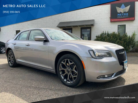 2018 Chrysler 300 for sale at METRO AUTO SALES LLC in Blaine MN