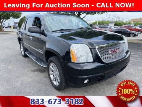 2011 GMC Yukon XL for sale at Glenbrook Dodge Chrysler Jeep Ram and Fiat in Fort Wayne IN