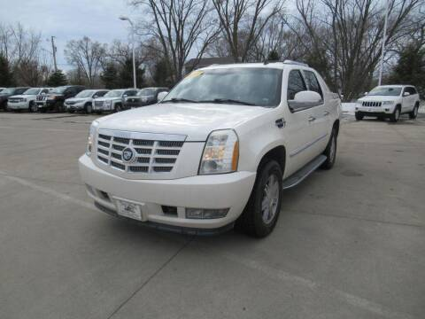 2007 Cadillac Escalade EXT for sale at Aztec Motors in Des Moines IA