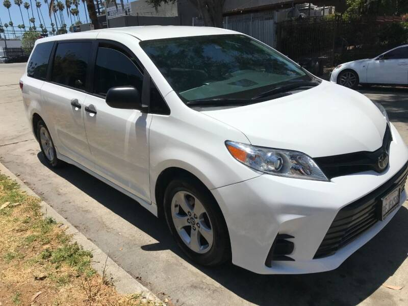 2018 Toyota Sienna for sale in Los Angeles, CA