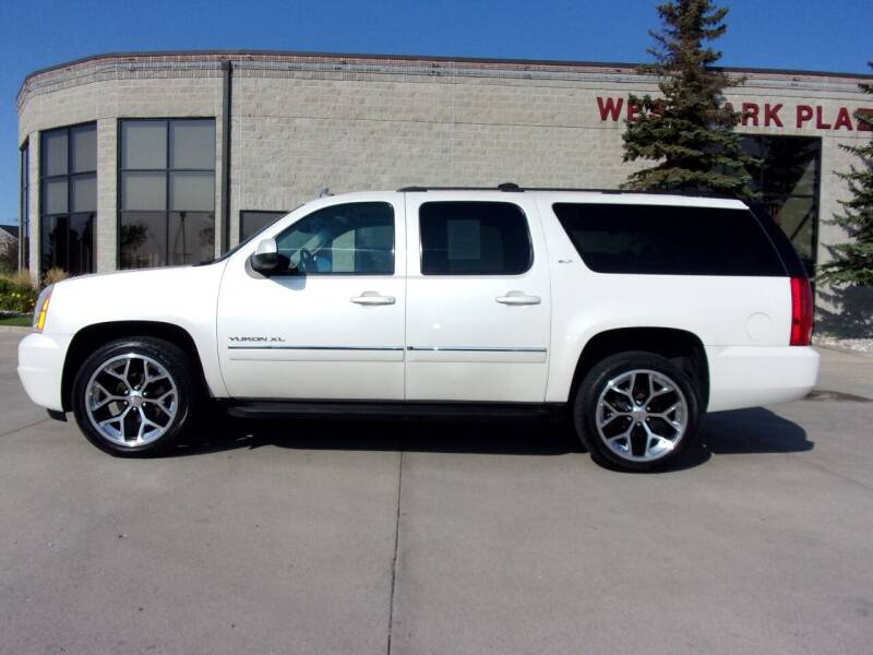 2011 GMC Yukon XL for sale at Elite Motors in Fargo ND
