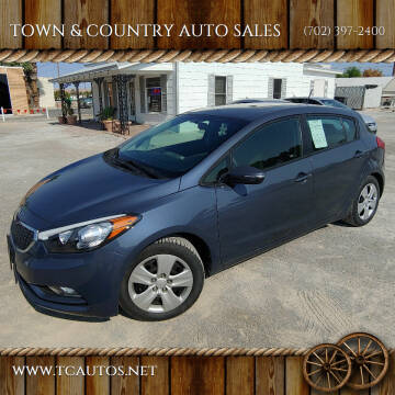 2016 Kia Forte5 for sale at TOWN & COUNTRY AUTO SALES in Overton NV