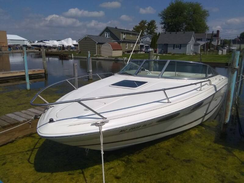 1997 Sea Ray 23 Signature for sale at Heartbeat Used Cars & Trucks in Clinton Twp MI