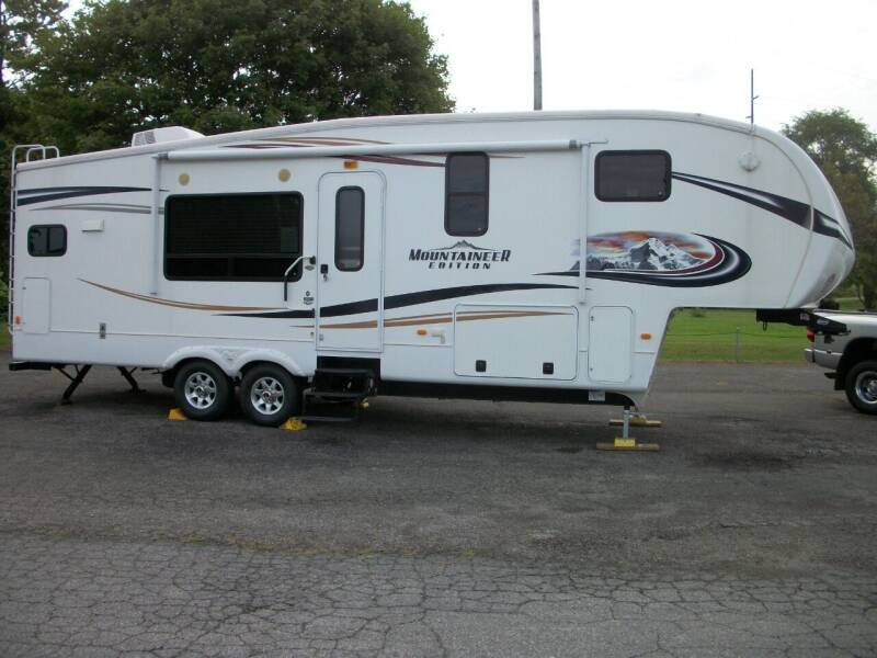 2012 Keystone MOUNTAINEER for sale at Terry Mowery Chrysler Jeep Dodge in Edison OH