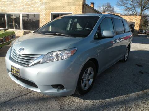 2015 Toyota Sienna for sale at Kingdom Auto Centers in Litchfield IL