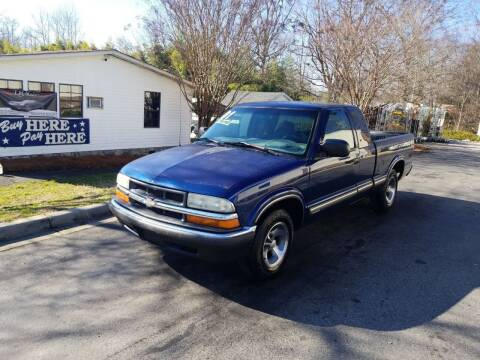 2001 Chevrolet S-10 for sale at TR MOTORS in Gastonia NC