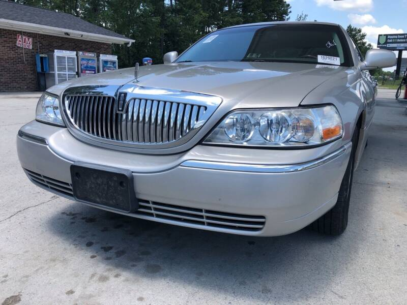 2003 Lincoln Town Car for sale at County Line Car Sales Inc. in Delco NC