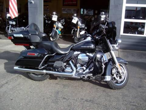 2014 Harley-Davidson FLHTK for sale at Goodfella's  Motor Company in Tacoma WA