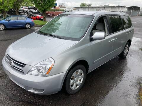 2006 Kia Sedona for sale at Blue Line Auto Group in Portland OR
