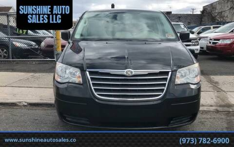 2009 Chrysler Town and Country for sale at SUNSHINE AUTO SALES LLC in Paterson NJ