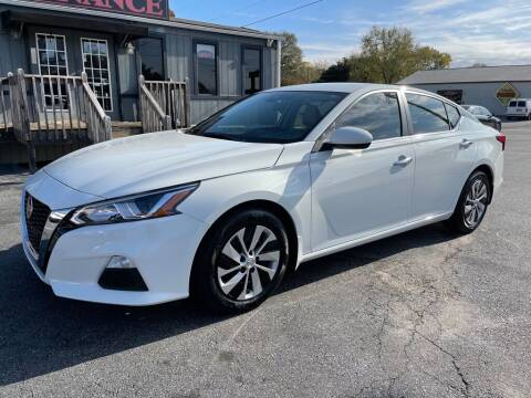 2020 Nissan Altima for sale at Modern Automotive in Boiling Springs SC