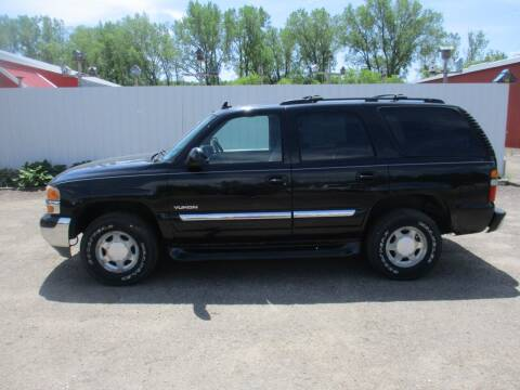 2006 GMC Yukon for sale at Chaddock Auto Sales in Rochester MN